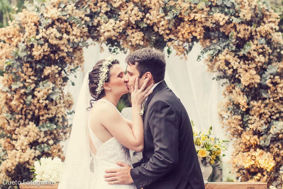 Natália e Cristiano - Casamento em Petrópolis na Pousada Vila Brasil