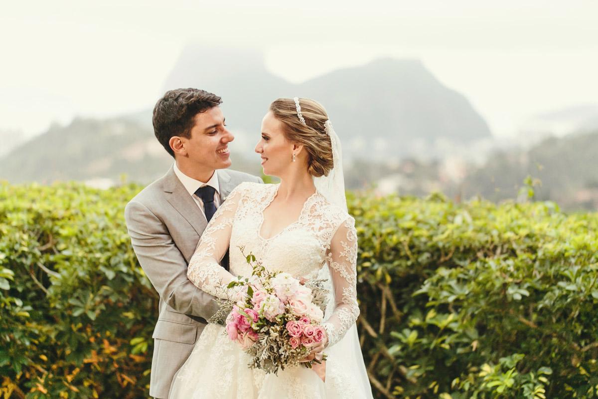 Fabiana e Gustavo - Casamento no Mosteiro de São Bento e na Casa de Santa Teresa